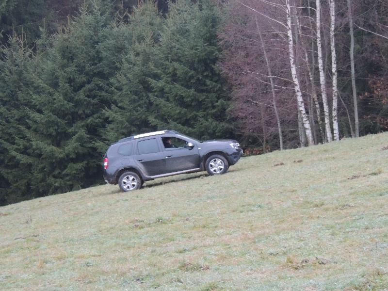 Dacia Duster na poli 2
