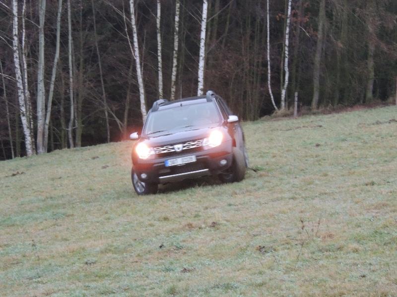 Dacia Duster na poli 3